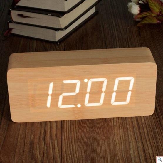 Ξύλινο επιτραπέζιο ρολόι με οθόνη Led - Θερμόμετρο - Ξυπνητήρι - Ημερολόγιο  ανάβει αυτόματα όταν ανιχνεύσει 9a2dcd442ff