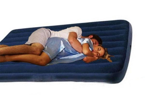Φουσκωτό στρώμα ύπνου διπλό + τρόμπα OEM